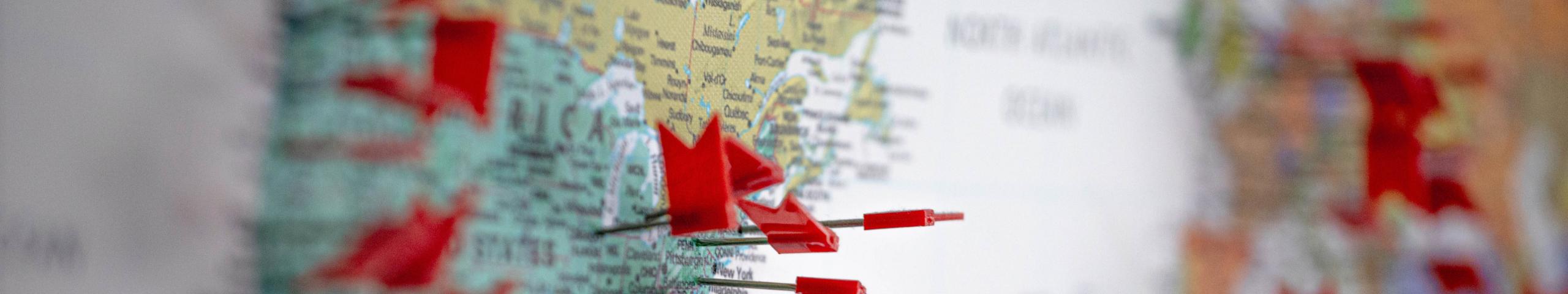 写真:地図とピン